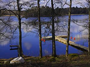 Обои Швеция Реки Причалы Лодки Дерева Rimforsa Природа