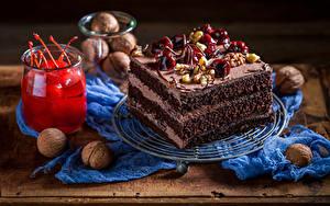 Фотографии Сладкая еда Пирожное Черешня Орехи Тарелка Банки