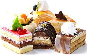 Фото Сладкая еда Пирожное Шоколад Белом фоне Дизайна Пища