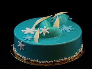 Картинки Сладкая еда Торты На черном фоне Дизайн Голубой Снежинки
