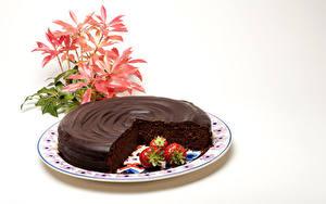 Фото Сладости Торты Шоколад Клубника Белым фоном