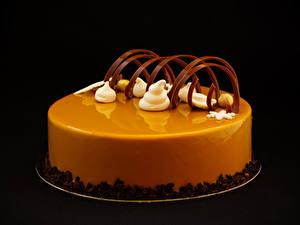 Картинки Сладости Торты Шоколад Дизайн На черном фоне Пища