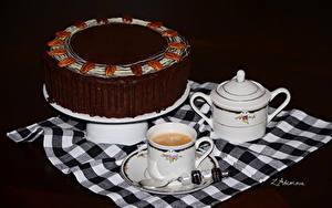 Фотография Сладости Торты Кофе Шоколад Чашке Ложка Черный фон Продукты питания