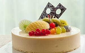 Картинка Сладкая еда Торты Фрукты Продукты питания