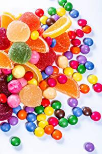 Картинка Сладкая еда Конфеты Мармелад Белым фоном Белый фон Продукты питания Еда