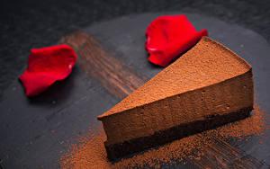 Обои Сладости Пирожное Шоколад Торты Лепестки Часть Какао порошок Еда