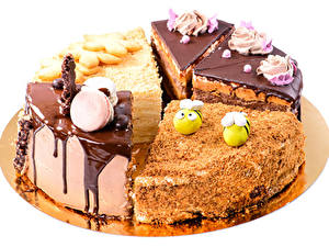 Картинки Сладости Шоколад Торты Белый фон