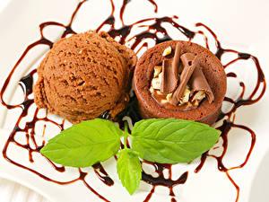 Картинки Сладости Мороженое Шоколад Капкейк кекс Шарики Лист