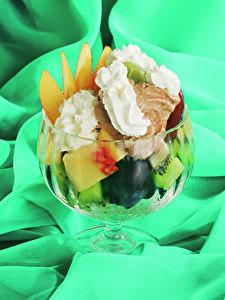 Фото Сладости Мороженое Фрукты
