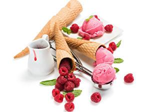 Обои Сладости Мороженое Малина Белый фон Шар Кувшин Пища