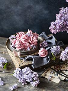 Обои для рабочего стола Сладкая еда Сирень Зефир Бабочка Доски Продукты питания Цветы