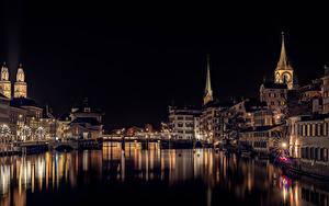 Картинка Швейцария Цюрих Здания Реки Мост Ночь Электрическая гирлянда Лучи света