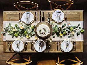 Обои Накрытия стола Свечи Ножик Стол Стул Сверху Тарелке Вилка столовая Бокалы