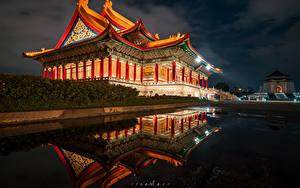 Обои Тайвань Храм Пагоды Пруд В ночи