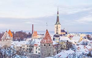 Картинки Таллин Эстония Церковь Зимние Дома Снега