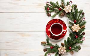 Фото Чай Новый год Чашка Шарики Ветки Шишки Шаблон поздравительной открытки Доски Еда