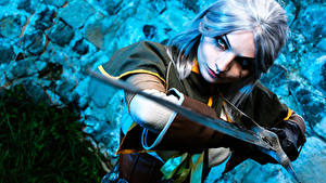 Обои The Witcher 3: Wild Hunt Воители Блондинки Взгляд С мечом Руки Перчатки Косплей Cirilla Девушки