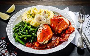 Картинки Вторые блюда Мясные продукты Картошка Овощи Курятина Тарелке Вилки