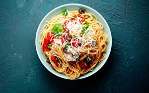 Картинки Вторые блюда Овощи Сыры Тарелка Макароны Продукты питания