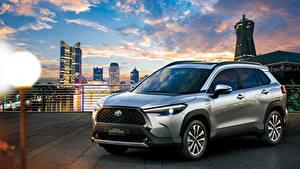 Картинки Toyota CUV Серые Металлик Corolla Cross Hybrid, TH-spec, 2020 Автомобили
