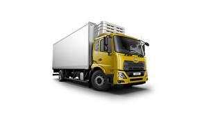 Фотографии Грузовики Желтый Белом фоне Японские UD Trucks, Croner, cooler Автомобили