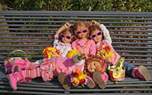 Картинки Тюльпаны Скамейка Кукла Девочка Очки Дизайна Grugapark Essen