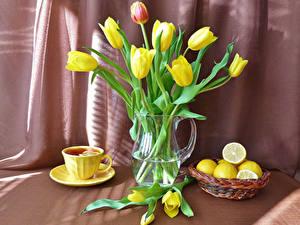 Фотографии Тюльпаны Лимоны Чай Ваза Чашка Цветы