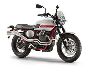 Фотографии Тюнинг Белый фон Сбоку 2015-21 Moto Guzzi V7 II Stornello мотоцикл