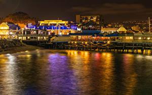 Картинки США Побережье Дома Калифорнии Кафе Ночные Лучи света Redondo Beach
