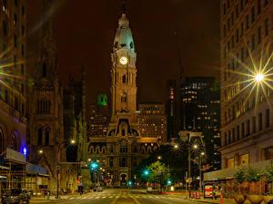 Фото Штаты Здания Ночные Лучи света Улице Уличные фонари Philadelphia город