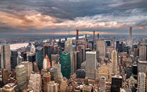 Фото США Здания Небоскребы Нью-Йорк Облака Сверху Города