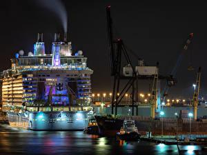 Картинки США Пристань Корабли Круизный лайнер Флорида Ночью Уличные фонари Fort Lauderdale город