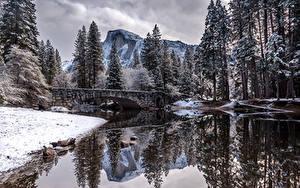 Обои США Парк Гора Реки Мост Зима Йосемити Деревья Снега Природа