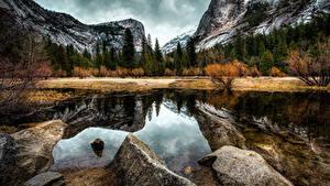Картинки США Парки Горы Осень Леса Озеро Камни Пейзаж Калифорния Йосемити