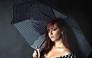 Картинка Зонтом Шатенки Смотрит Макияж молодые женщины
