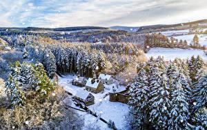 Фото Великобритания Леса Здания Дерево Снег Каменные Сверху Tyrone, Northern Ireland Природа
