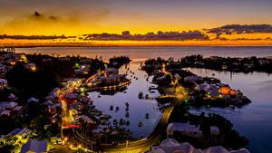 Фото Великобритания Здания Дороги Пирсы Вечер Залива Сверху Bermuda город