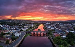 Фото Великобритания Реки Мосты Здания Рассветы и закаты Сверху Strabane, Northern Ireland Города