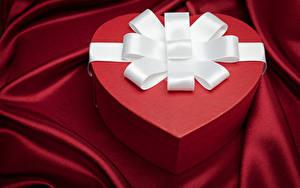 Фото День всех влюблённых Коробка Подарки Сердечко Бантик