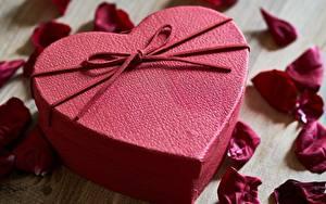 Фотография День святого Валентина Коробке Лепестков Сердце Бантик Подарок