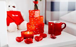 Фото День всех влюблённых Свечи Пламя Подарок Кружки Красная
