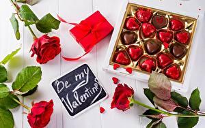Обои День всех влюблённых Конфеты Роза Подарок цветок Еда