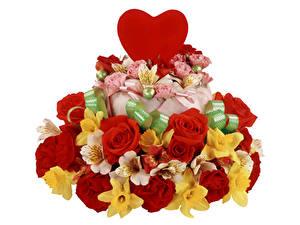 Обои День всех влюблённых Розы Альстрёмерия Торты Нарциссы Белый фон Сердце Цветы
