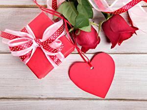 Картинки День святого Валентина Розы Сердца Подарки