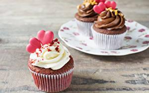 Фото День всех влюблённых Сладости Пирожное Капкейк кекс Доски Сердечко Пища