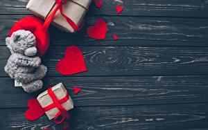 Фотографии День святого Валентина Мишки Доски Сердечко Шаблон поздравительной открытки Подарки