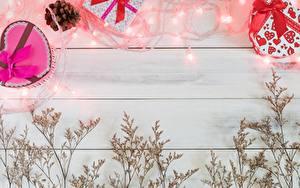 Фото День святого Валентина Шаблон поздравительной открытки Доски Гирлянда Подарок