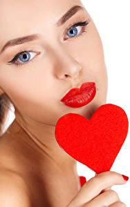 Фото День святого Валентина Белый фон Лицо Красные губы Сердце Девушки