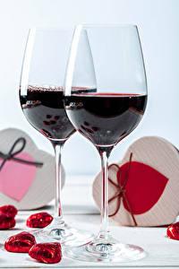 Обои День святого Валентина Вино Конфеты Сердечко Бокал Две Еда