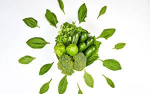 Фотография Овощи Перец Огурцы Брокколи Белый фон Зеленых Лист parsley